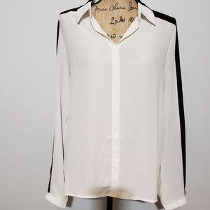 Jaye.e white and black blouse button down medium
